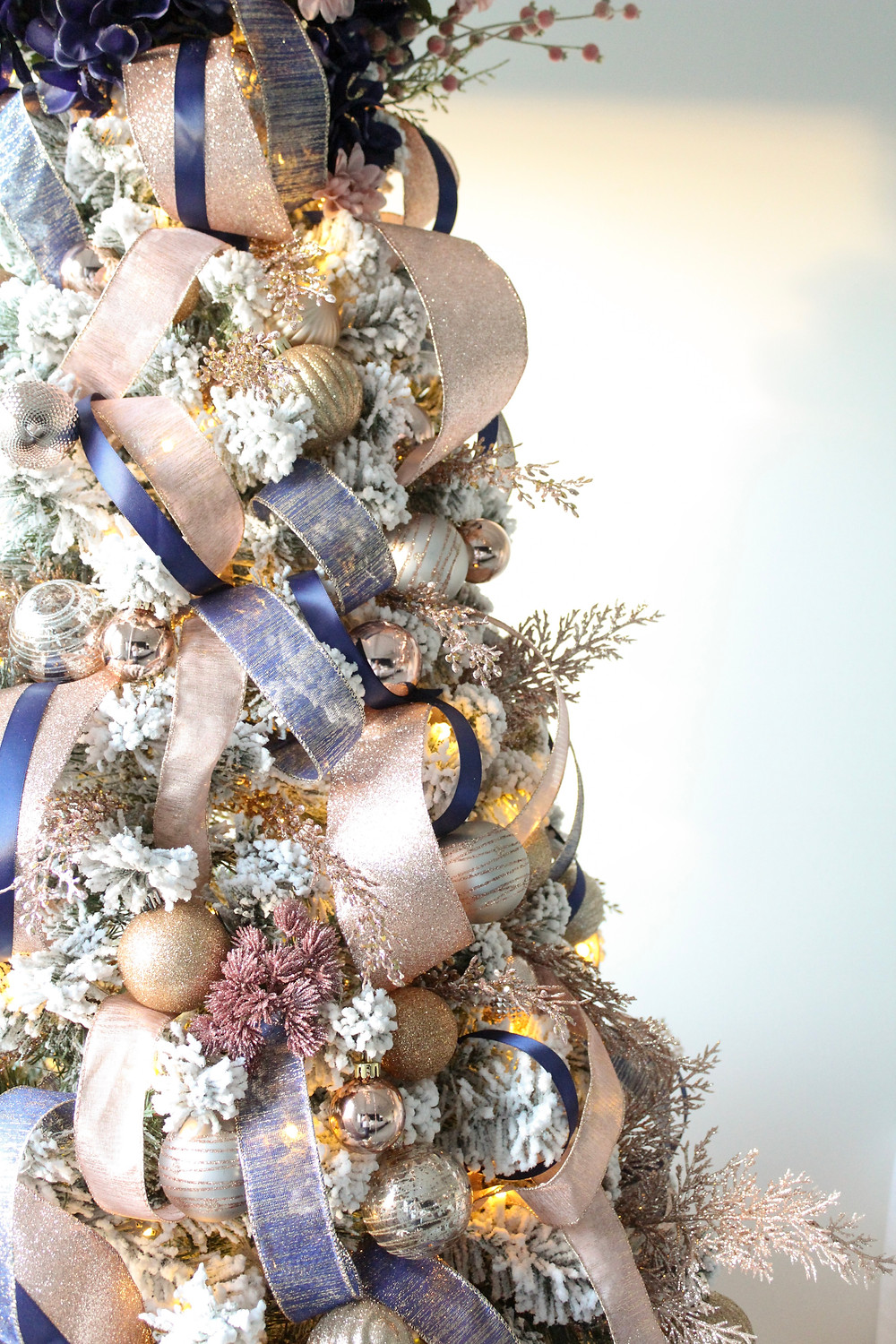 Parade of Trees 2019: Featuring King Of Christmas #bhghome #holidayhometour #christmastree
