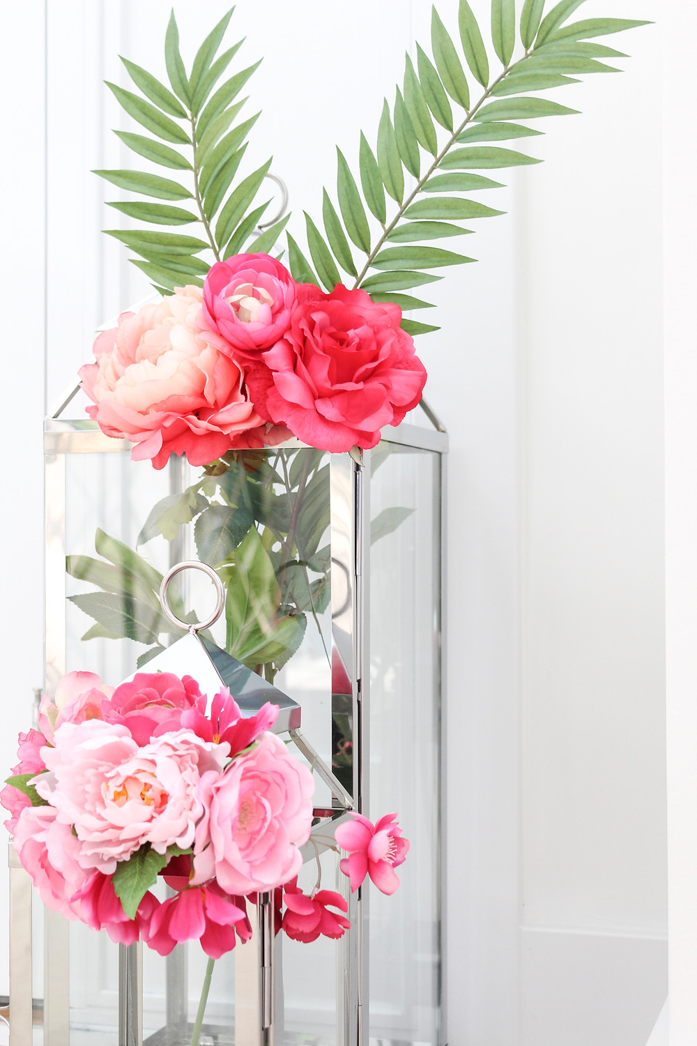 "Decor Talks: Easy Summer Styling Ideas, Using ""Vases"" You Never Knew You Had. #summerdecor #summerstyling"