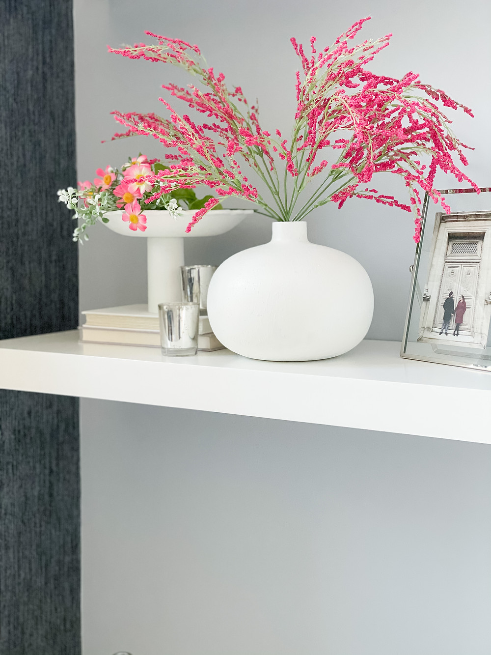 Modern Minimalist Shelf Styling For The Spring Months #shelfstyling #springdecor
