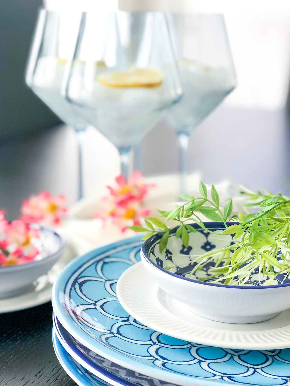 """Decor Talks: Easy Summer Styling Ideas, Using """"Vases"""" You Never Knew You Had. #summerdecor #summerstyling"""