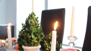 A Quick & Easy Winter Tablescape (Using that Christmas Decor!)