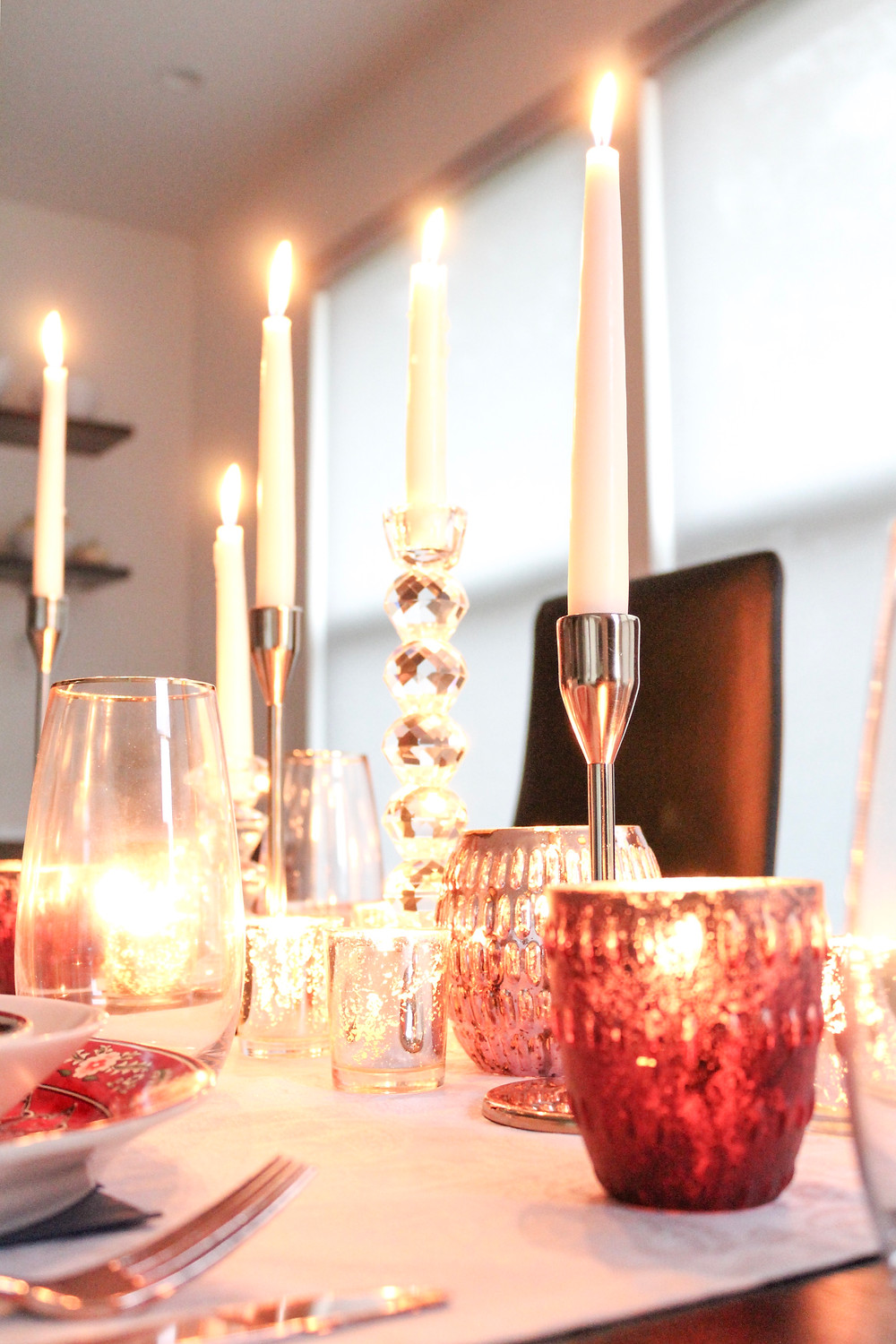 Five Easy Steps To Set A Flawless Diwali (Or Any Other Holiday) Table. #holidaydecor #holidaytablescape #diwalidecor
