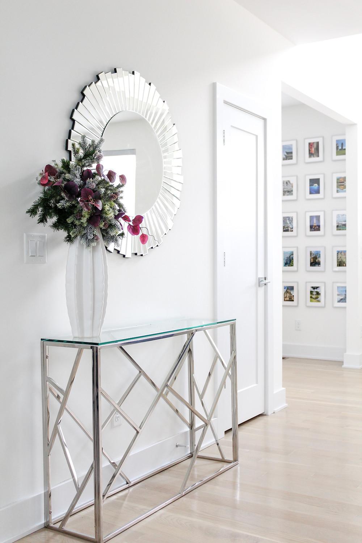 Why I Love A Gallery Wall! #gallerywall #travelgallerywall #easyhomedecor #modernhome