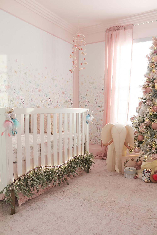 Elegant Modern Christmas Home Tour. #holidayhome #holidaydecor #christmasdecor