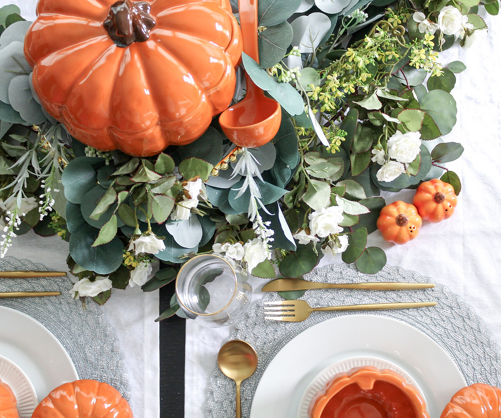 quick and easy tablescapes that will transition your home from summer to fall. #falldecor #falltablescape