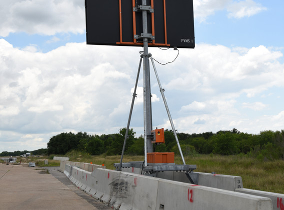 Barrier Mounted Sign - Upstream