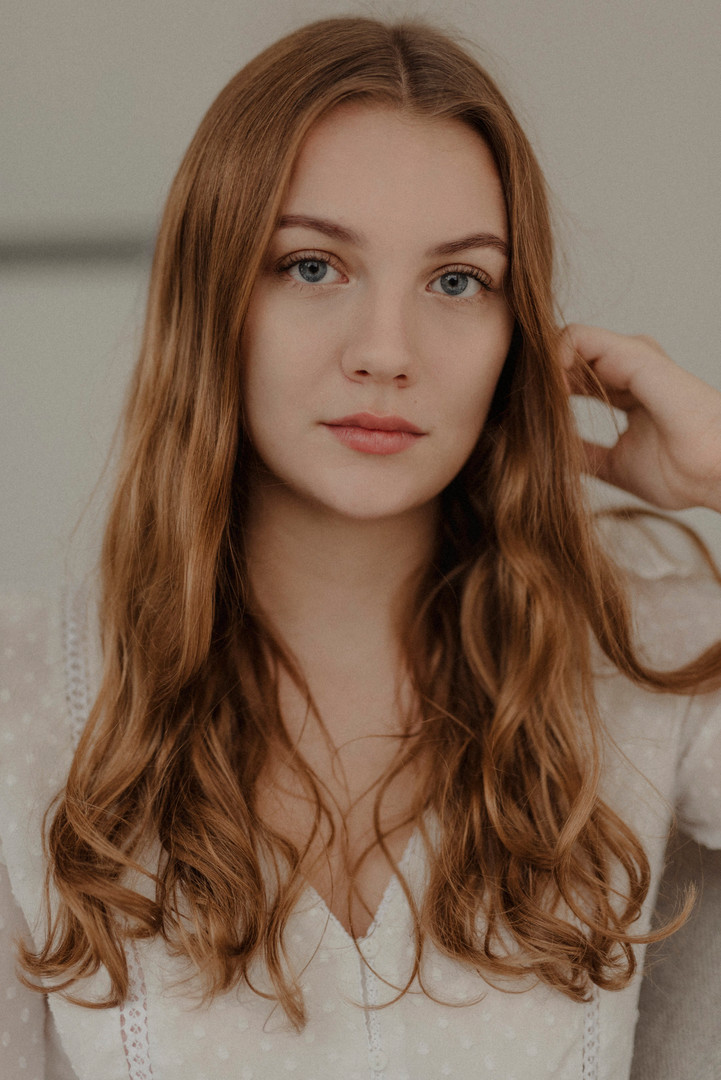 LAURA SCH.