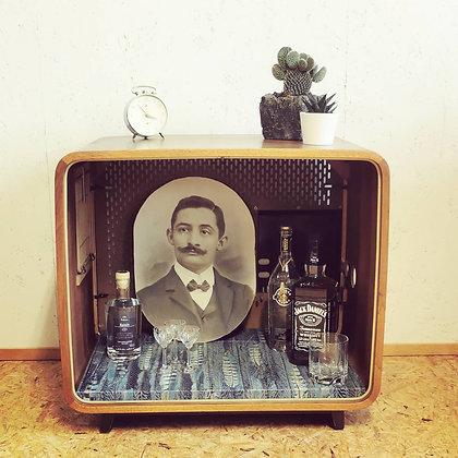 Bar ancienne télévision