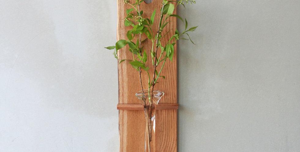 吹き硝子の花器 玄圃梨の木
