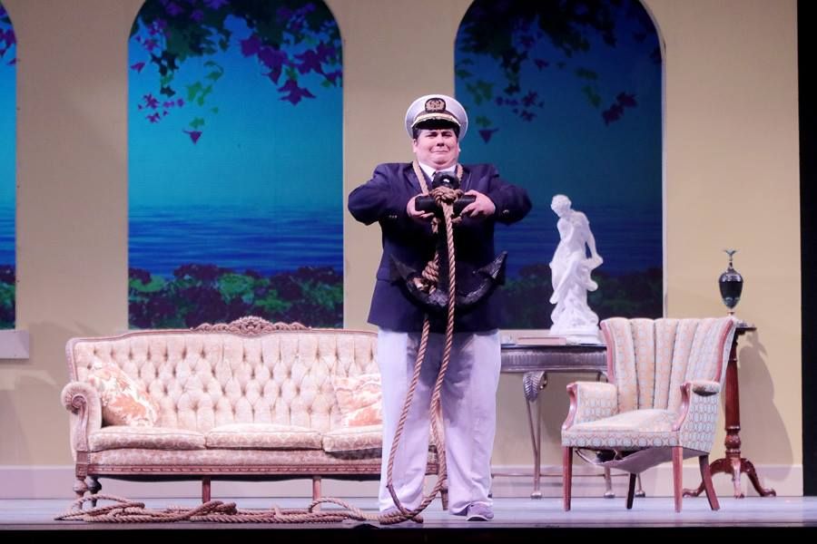 Don Pasquale UH 3