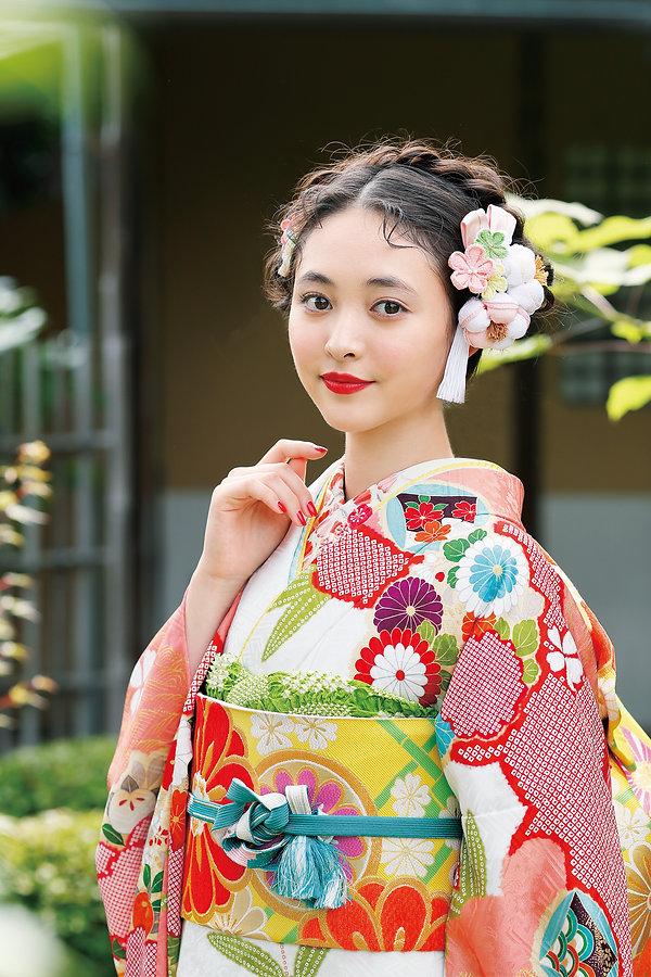 流行の髪飾りの品揃えは福井県でナンバーワナンバーワン