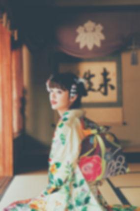 福井の成人式はふりそでの岩本。