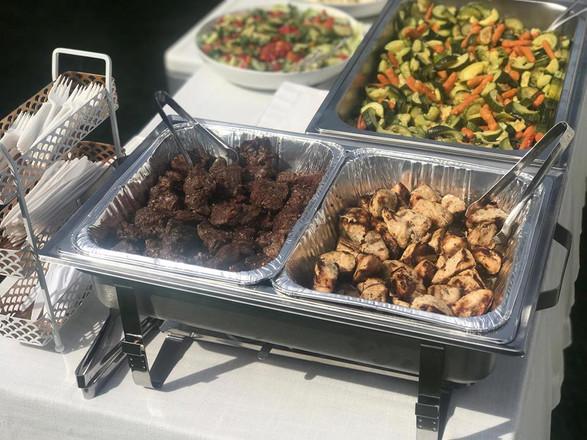 sirloin steak tips + grilled chicken breast + mixed veg