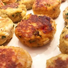 sweet sriracha salmon cakes