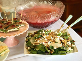 spinach + almond + goat cheese + pear