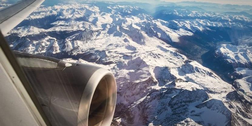 20150513235739-travel-plane-airplane-vie