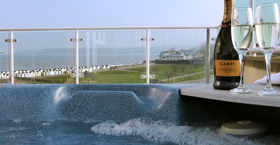 A hot tub Holiday in Devon