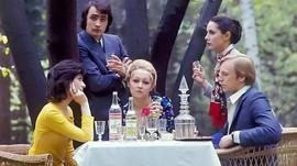 """""""Stolichnaya"""" vodka ad. Photo by Valery Plotnikov, USSR, 1973"""
