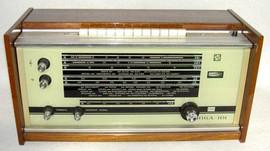 """Soviet transistor radio """"Radiotehnika Riga 101"""", Latvian SSR, 1970s"""