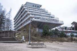 """Sanatorium Rīgas Jūrmala (now:""""Baltic Beach Hotel"""") Jūrmala, Latvia, Built in 1981 Architect:Viktors Valgums, Normunds Pavārs, Modris Ģelzis (c) BACU"""