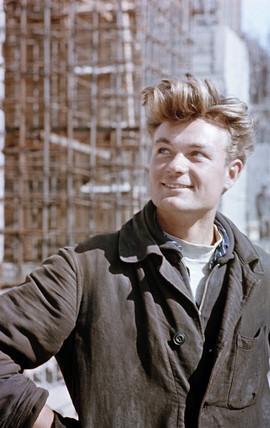 Construction worker. Photo by Semyon Friedland, Stalingrad, USSR, 1950s