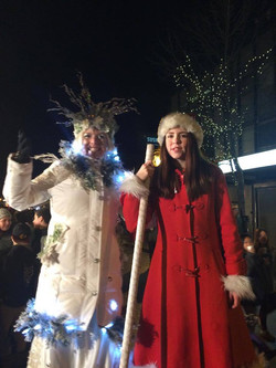 Winter Queen and Christmas Stilt wal