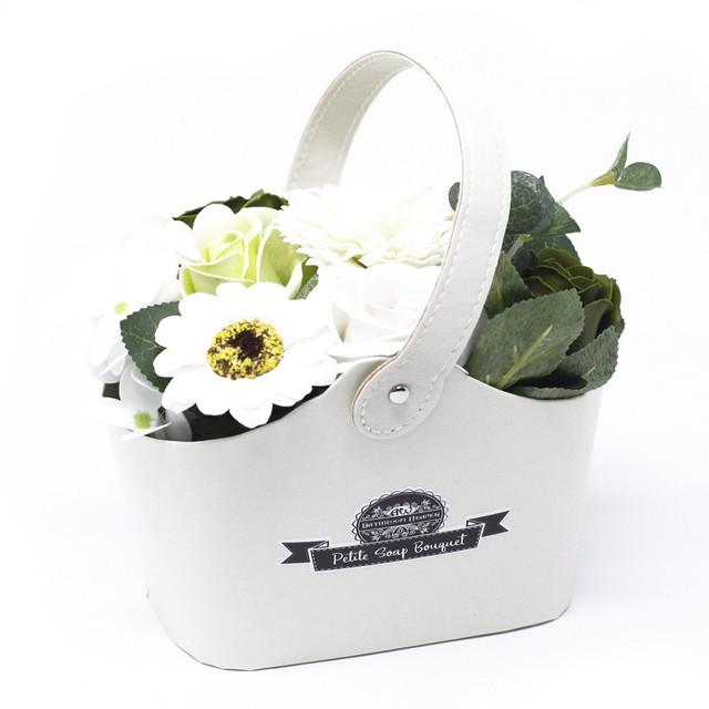 Pastel Green - petite bouquet basket 1