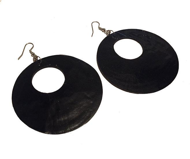 Oversized Retro Shell Earring
