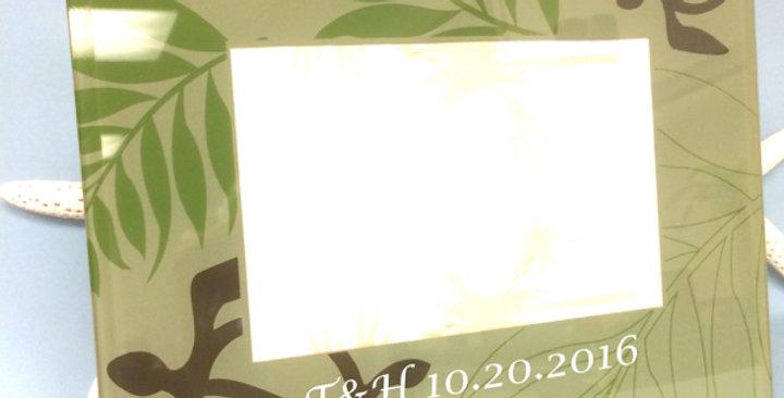 日付&イニシャル入り:メモリアルフォトスタンド(グリーン&ホヌ)