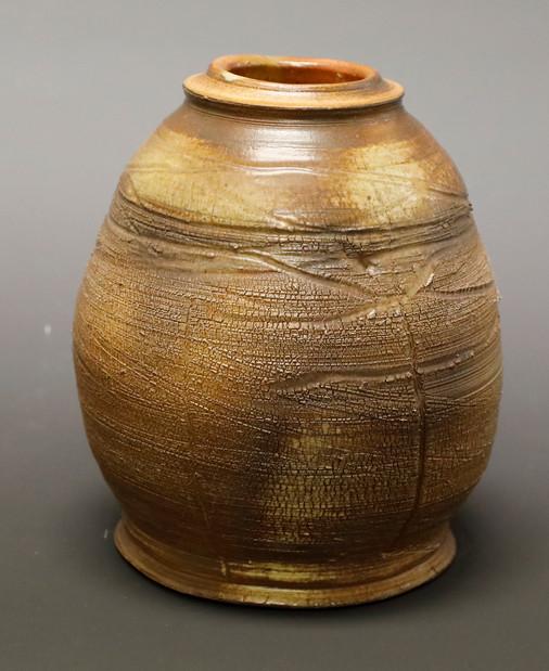Shino Jar with Texture DAY.JPG