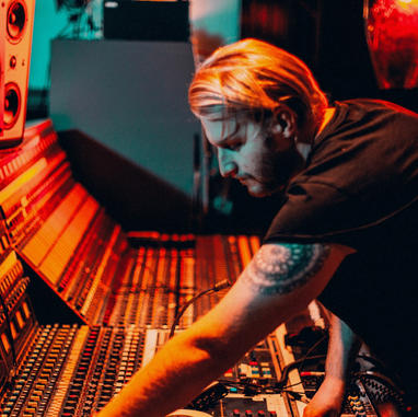 1 on 1 producing lessons (from Lewis Capaldi's producer)