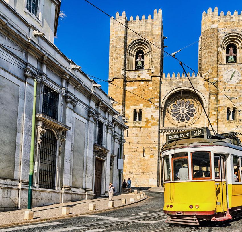 alfama-tram-cathedral