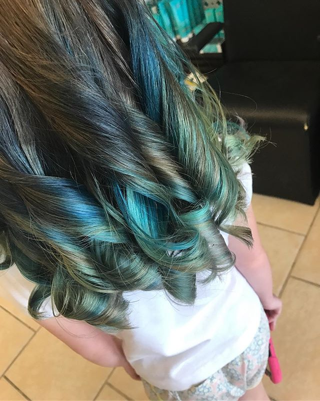 Color done by _italiangirl1011 ! Book your appointment today!