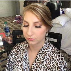 Hair _ Done by _messypantz504  Makeup_ done by _hairandmakeupby_cat  #nolawedding #bridalmakeup #new