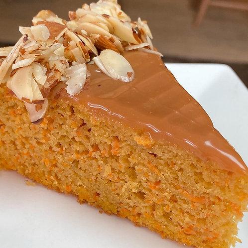 Cake de Zanahoria Arequipe Almendras
