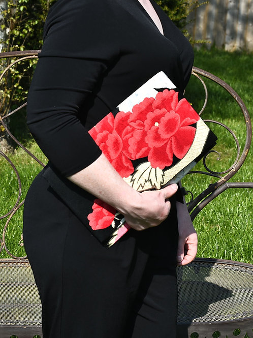 OBI CLUTCH BAG (black background and Red flower, and gold)