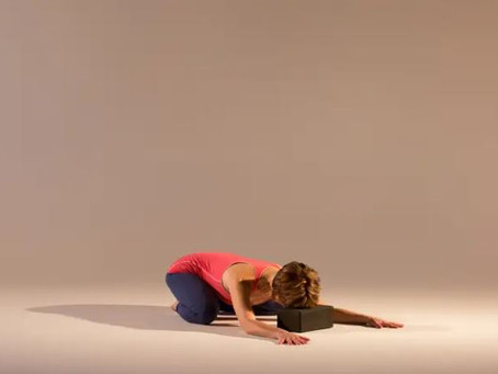 A Yoga Practice to Calm Anxious Thoughts