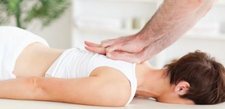Le chiropraticien ou l'ostéopathe: Qui fait quoi?