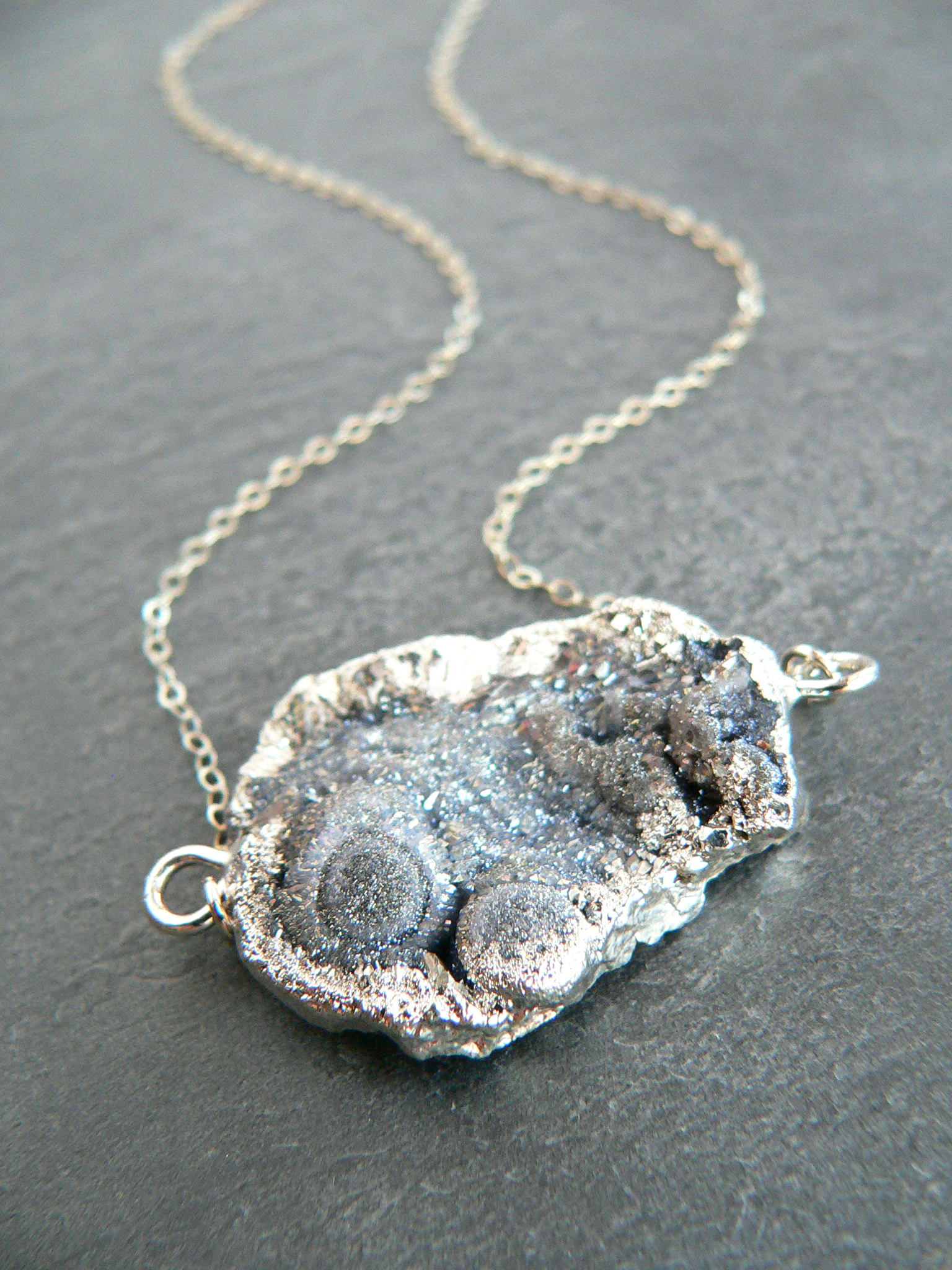 GALAXY DRUZY CRYSTAL SILVER NECKLACE