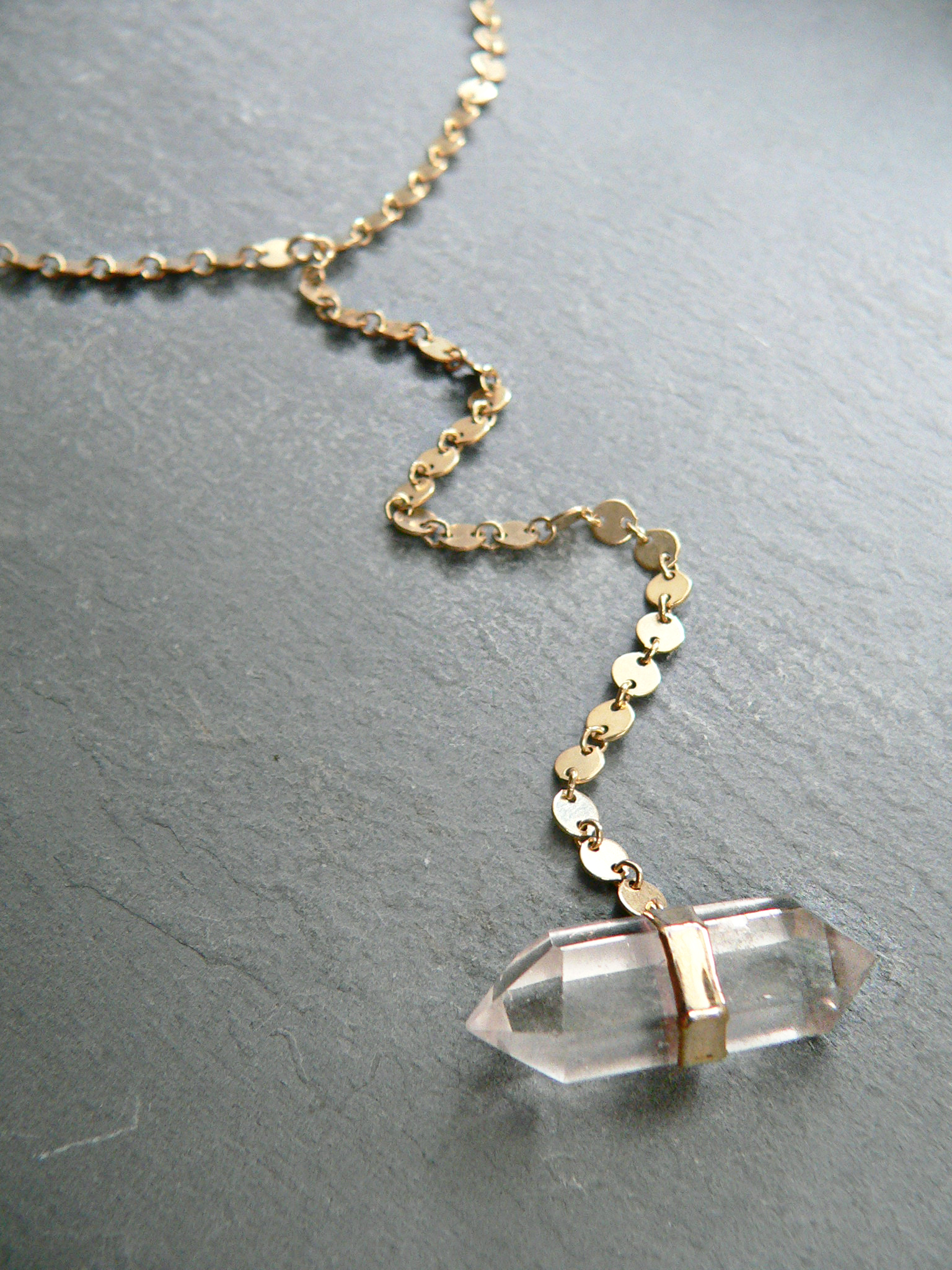 QUARTZ POINT LARIAT