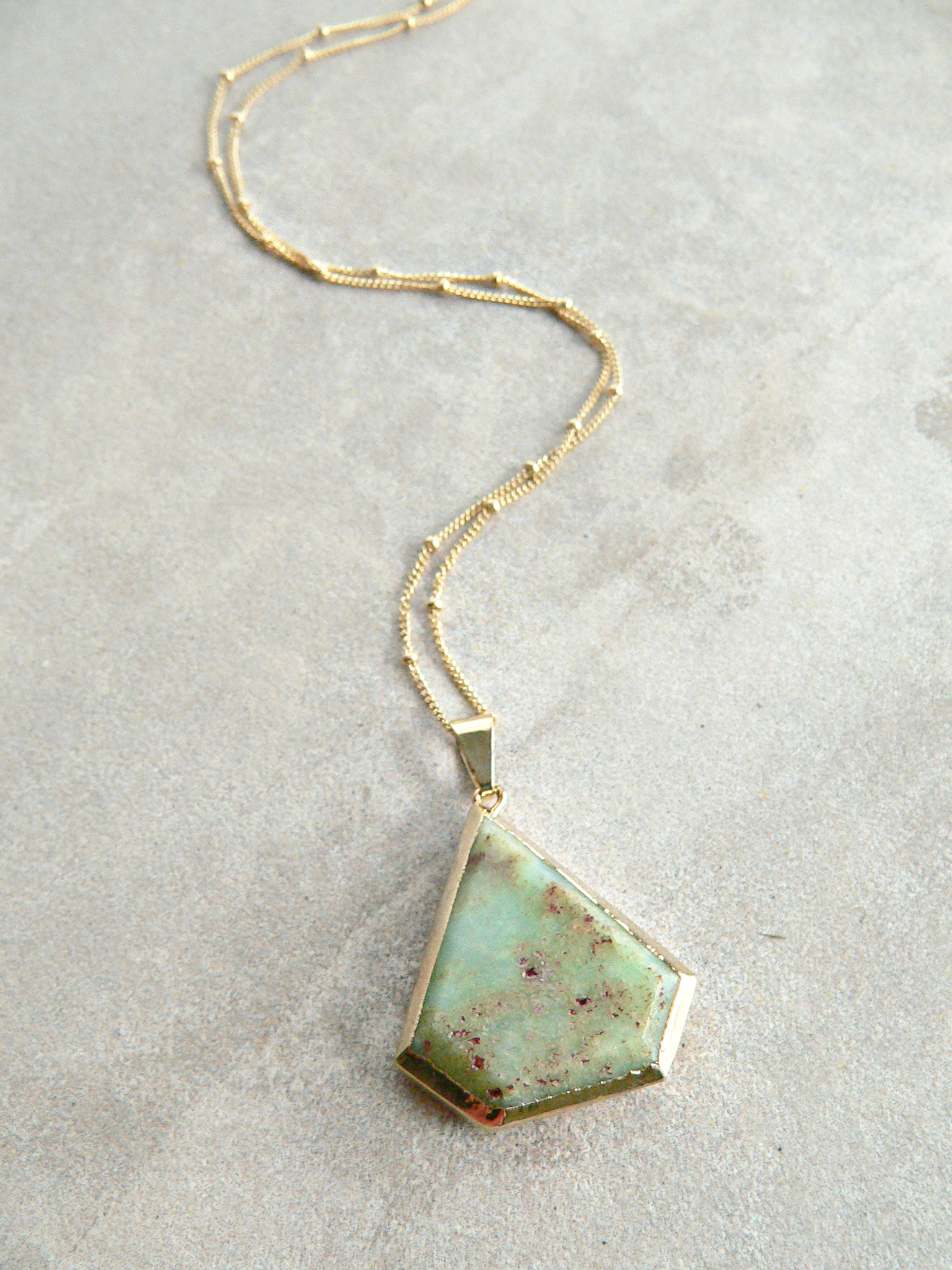 CHRYSOPRASE STONE NECKLACE