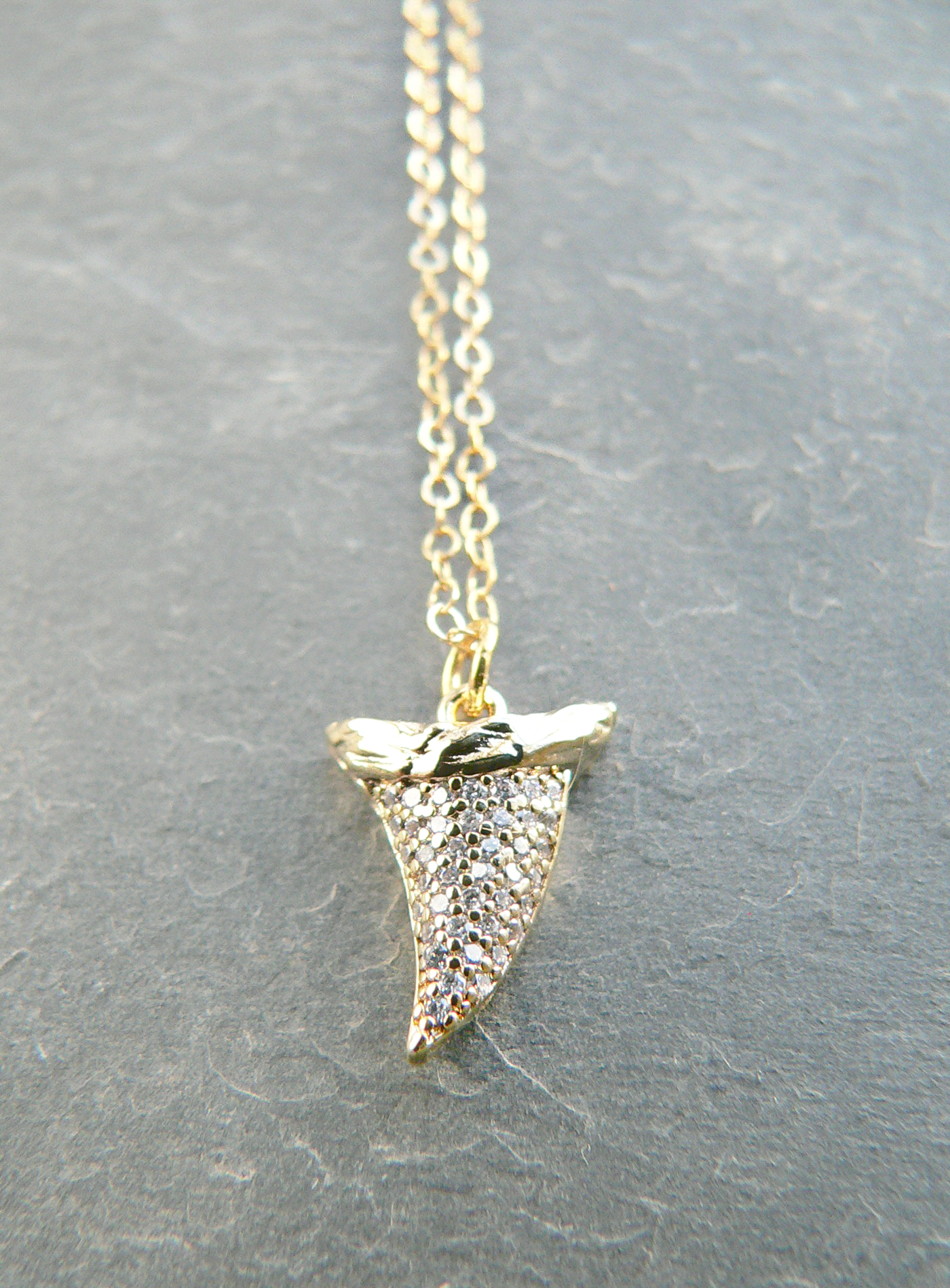 MINI RHINESTONE SHARKTOOTH NECKLACE