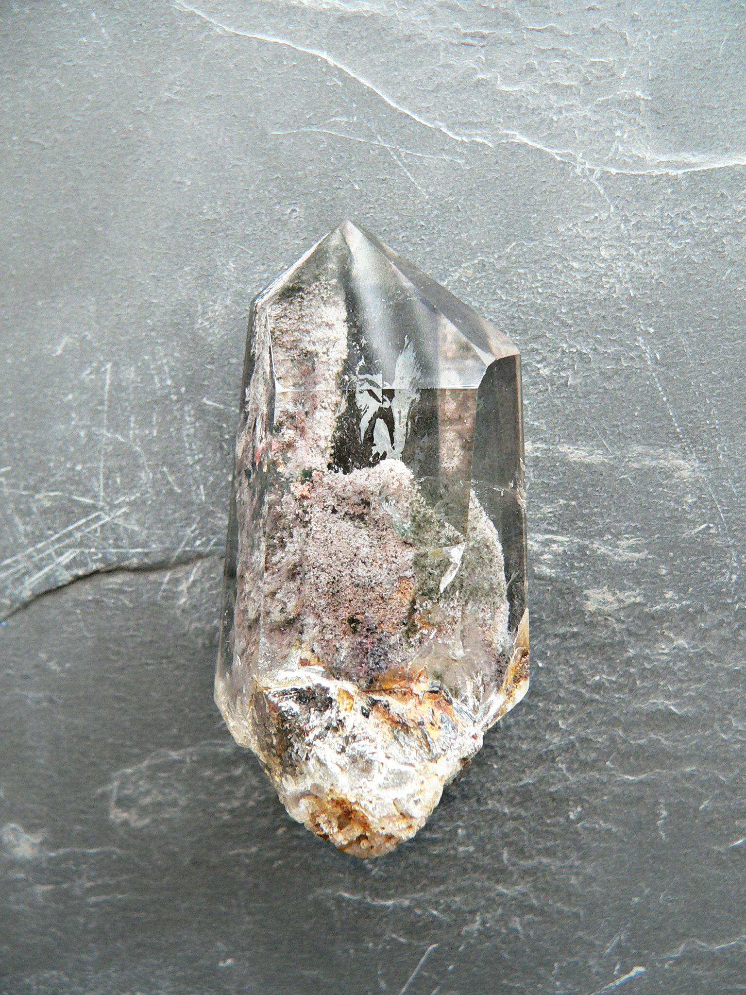 GARDEN QUARTZ CRYSTAL POINT