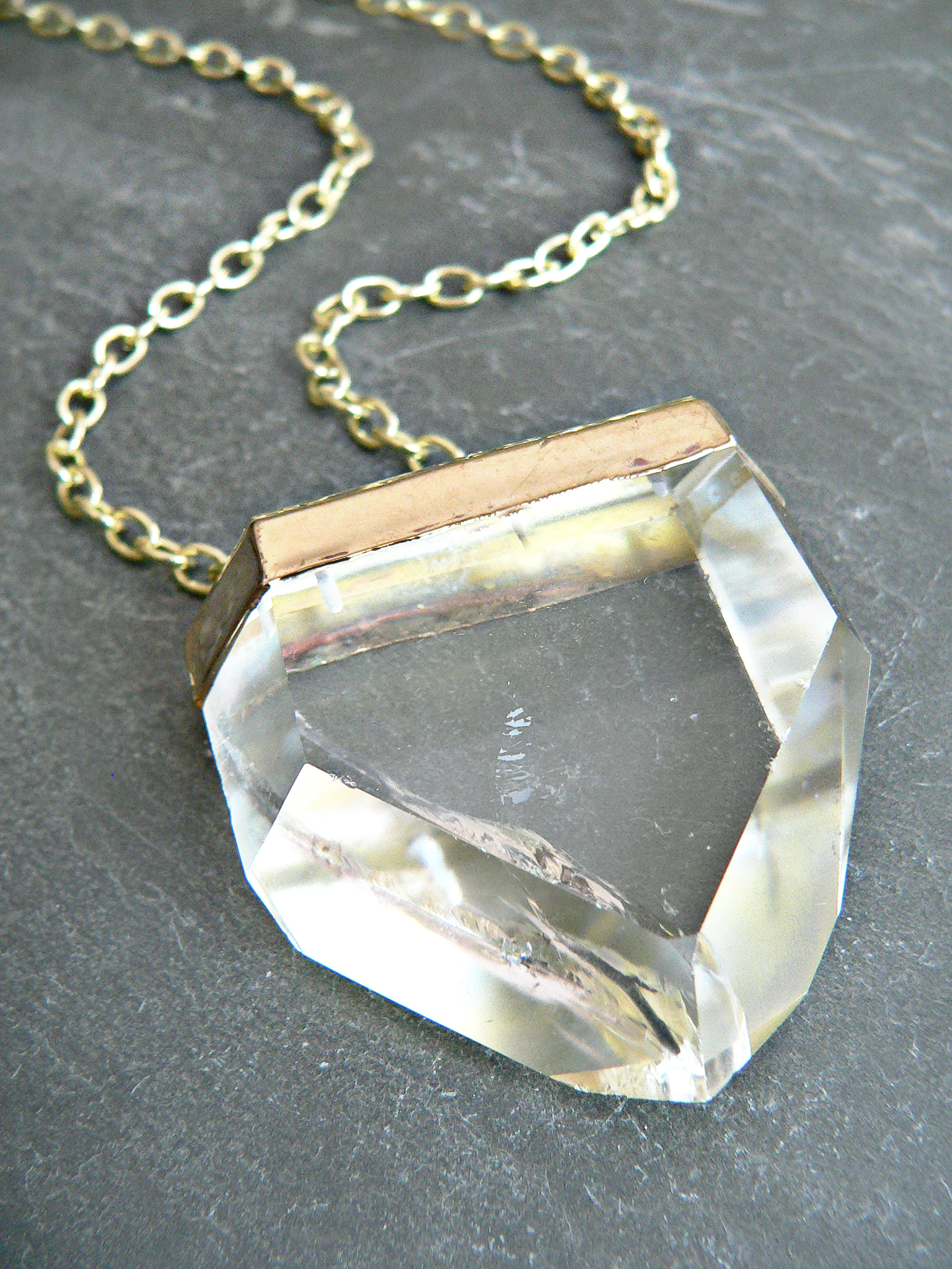 AMULET CRYSTAL POINT NECKLACE