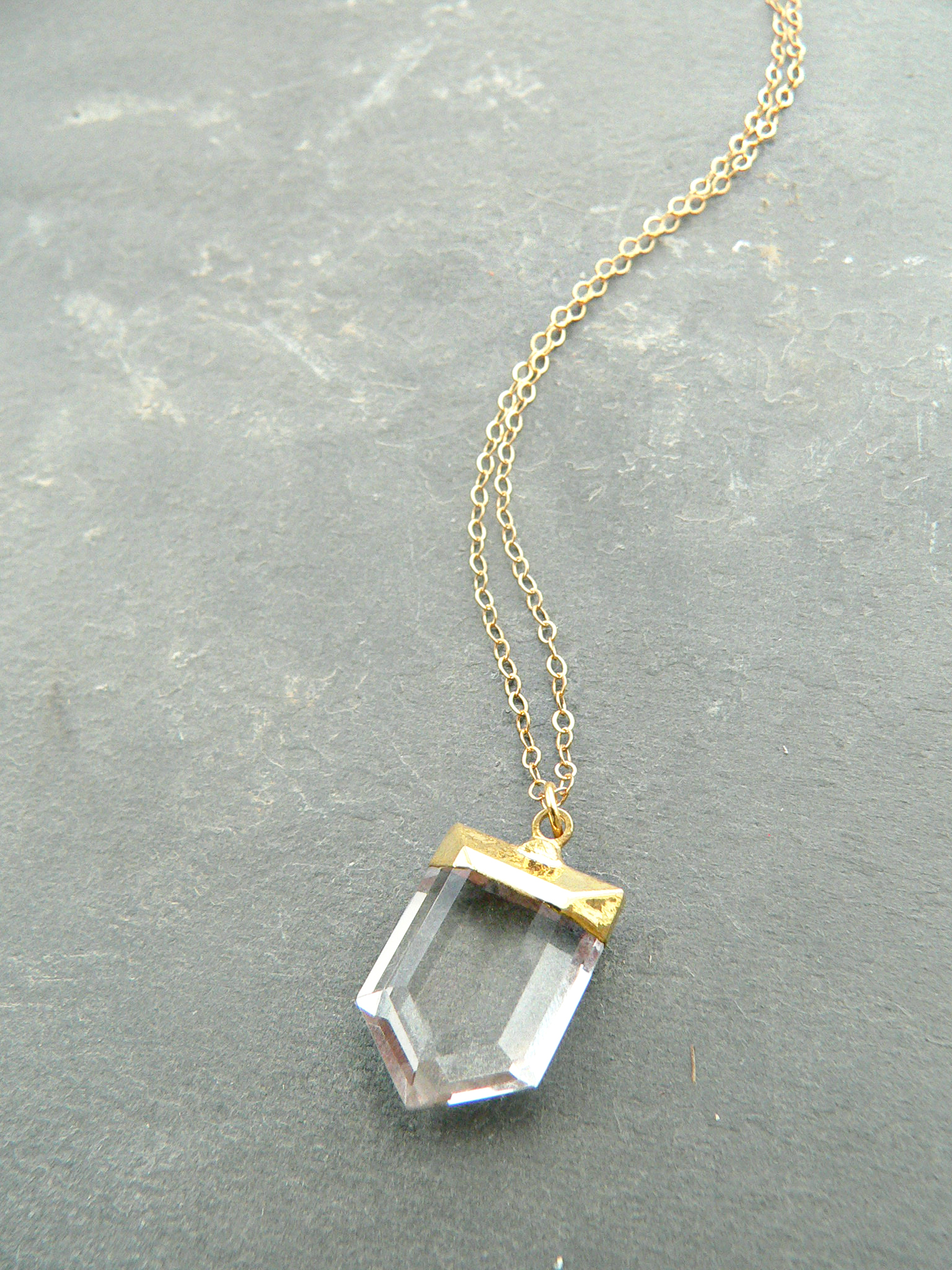 MINIMALIST CRYSTAL POINT NECKLACE