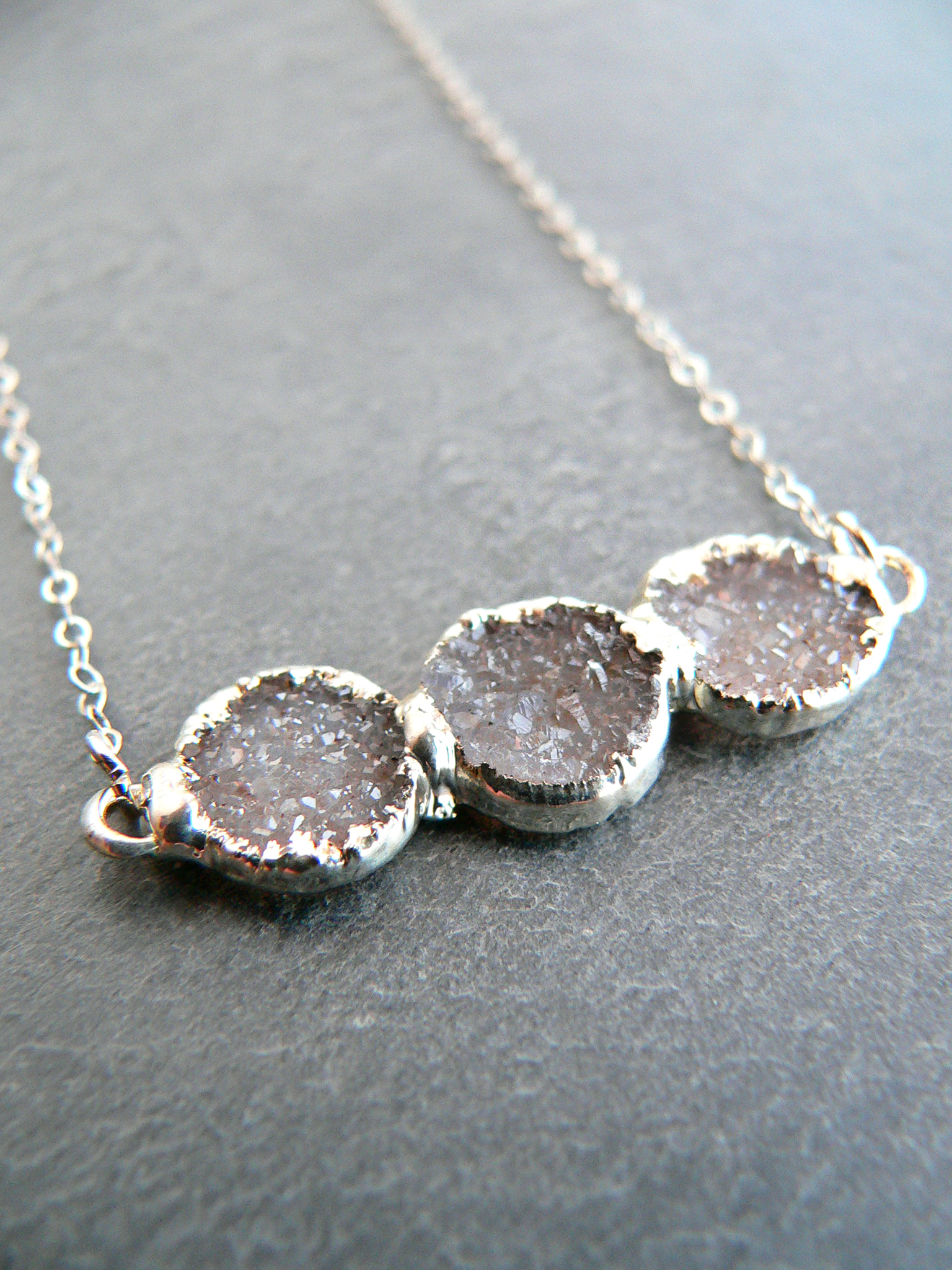 DRUZY CRYSTAL TRIO SILVER NECKLACE