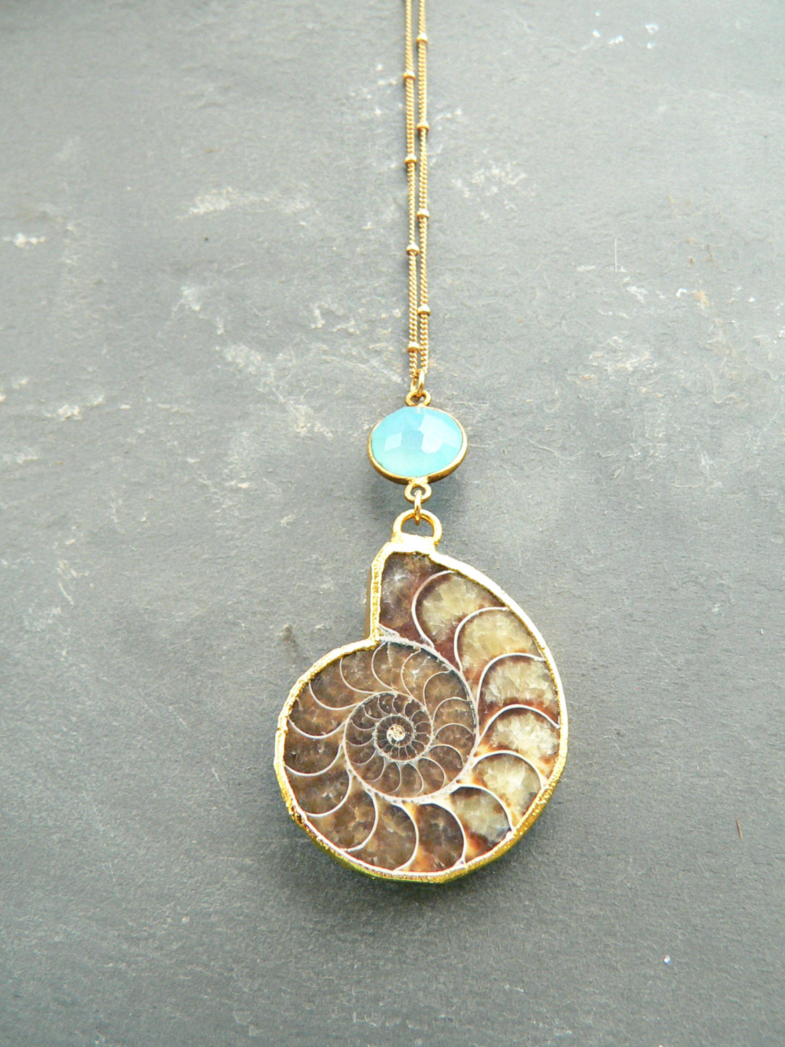 AMMONITE FOSSIL CHALCEDONY NECKLACE