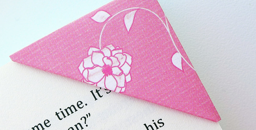 Lined Flower Arrangement Bookmark