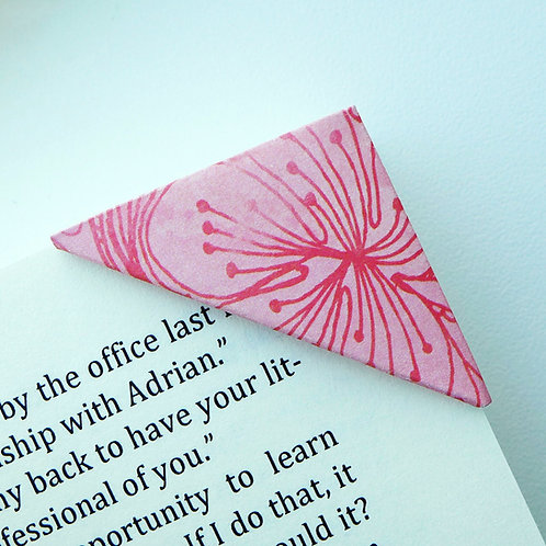Washed Lilly Bookmark (3 colors)