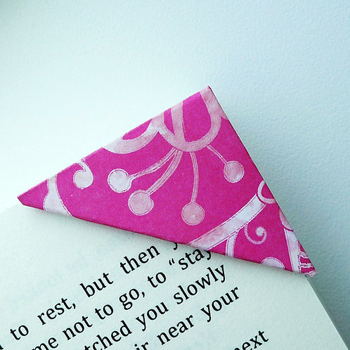 Spring Daisy In Hot Pink Bookmark